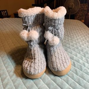 Isotoner Slipper Booties